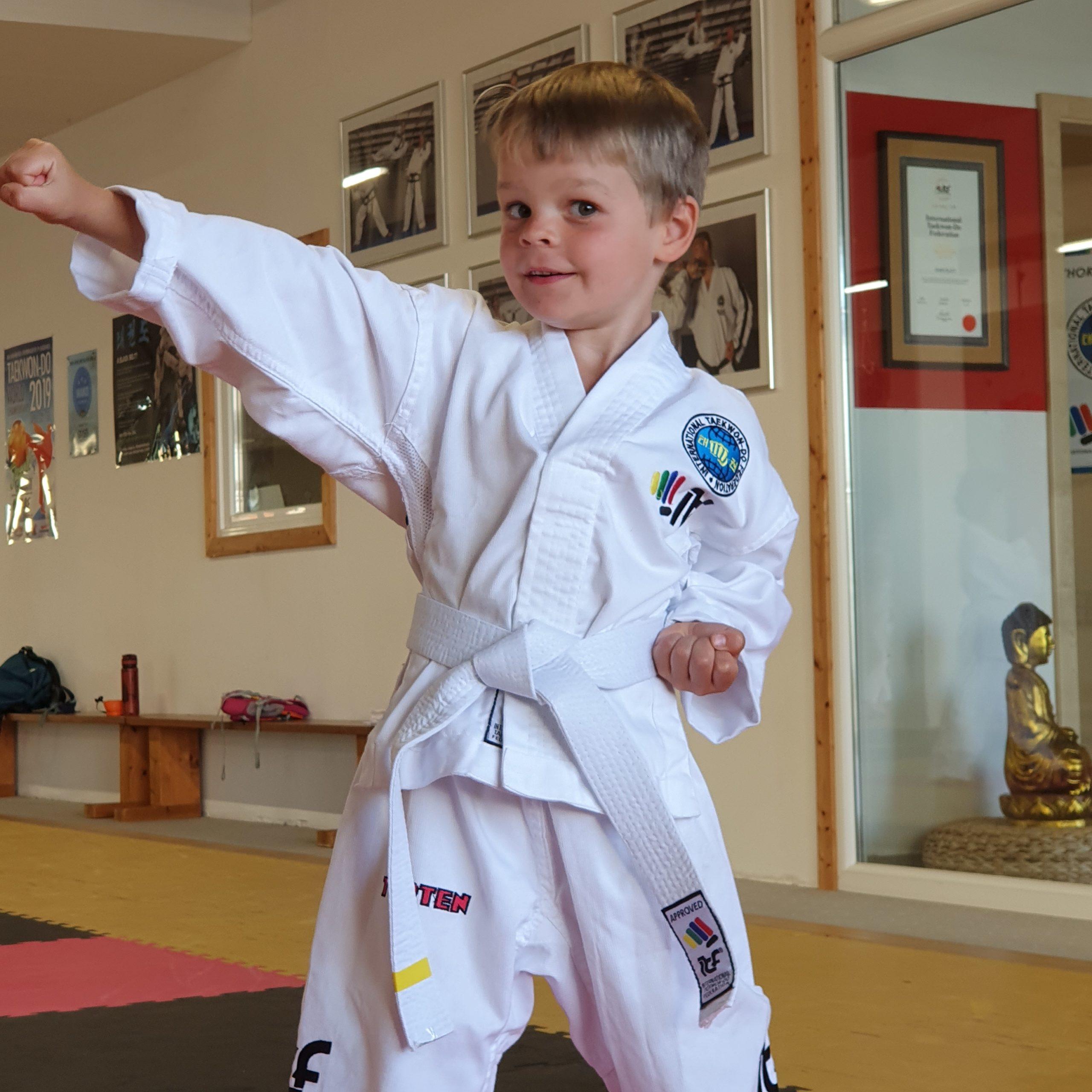 Minis Kids ab 3 Sport Bewegung Kampfsport Schwabmünchen Chon-Ji